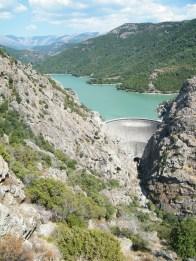 Vue sur le barrage depuis le belvédère