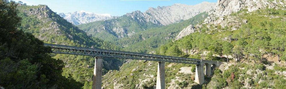 Un pont emprunté par la micheline et construit par Gustave Effeil.
