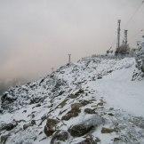 La route enneigée au sommet du Pignu.