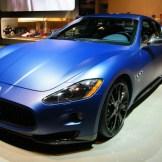 Maserati bleu mate