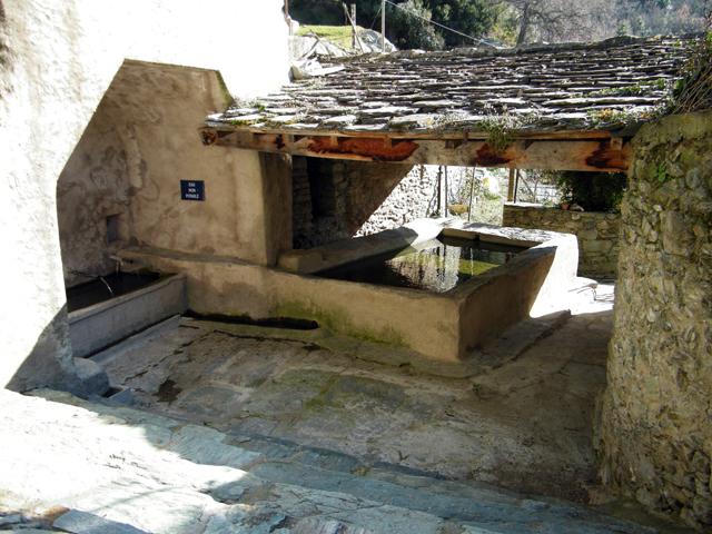 Un lavoir au village de A Pieve