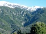 Au loin on aperçoit la Cascade du voile de la mariée