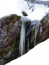 Il y a des stalactites ici