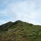 Plus que quelques mètres sur la crête pour arriver au sommet
