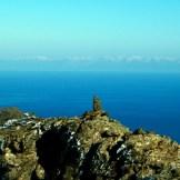 On aperçoit les montagnes enneigées en Italie