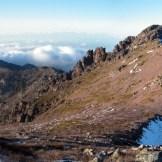 Le col de Tartagine à droite, la forêt de Bonifatu en bas à gauche