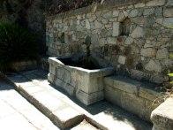 Fontaine indiquant le départ à Venaco