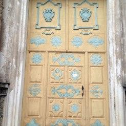 La porte de l'église Sainte-Marguerite