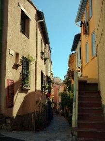 Dans les ruelles à Collioure