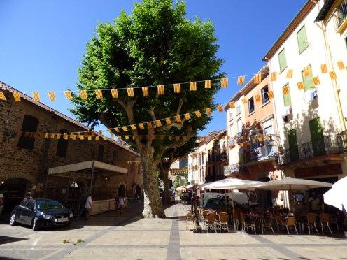 Une place à Collioure