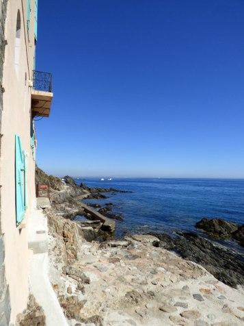 Départ d'un ancien sentier qui menait à Argelès depuis Collioure.