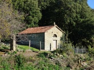 Une petite chapelle à Ampaza