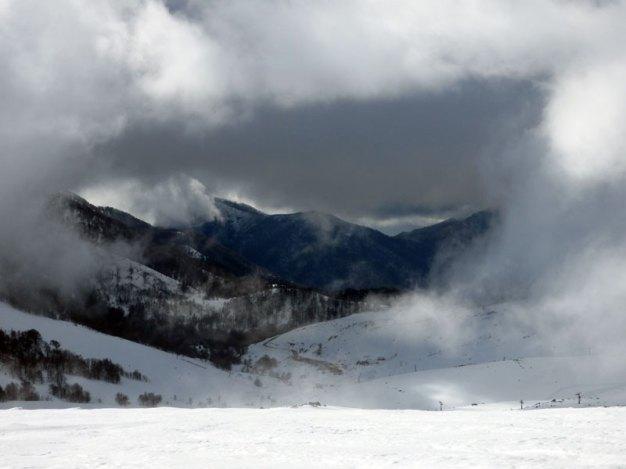 La station sous les nuages