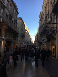 Dans la rue Sainte-Catherine