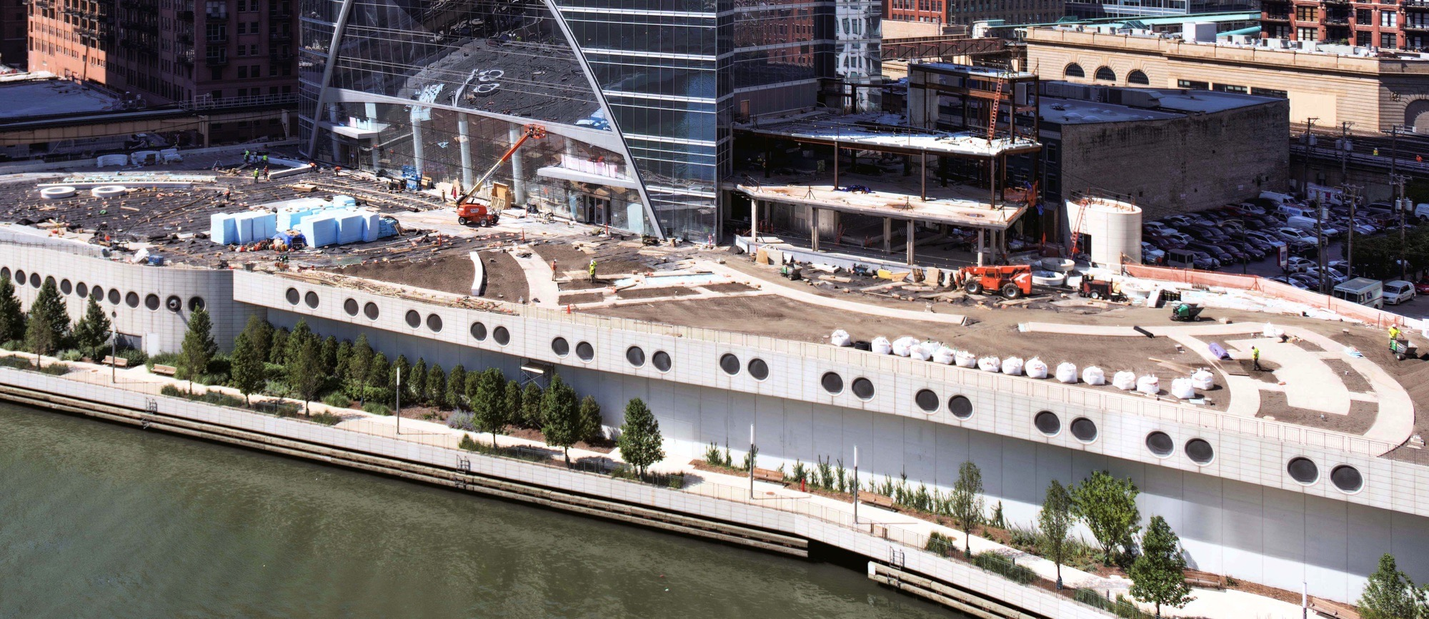 River Point under construction (Courtesy of Joe Zekas/YoChicago!)