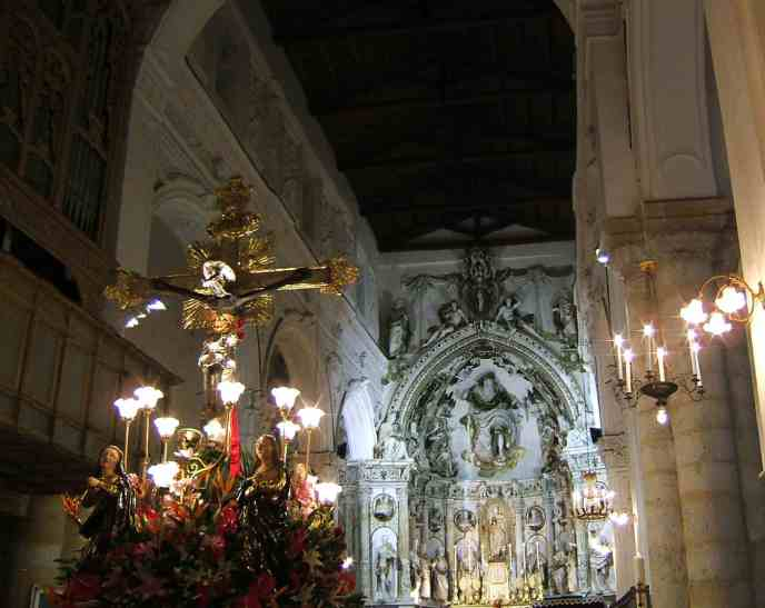 Ciminna_SS-Crocifisso in church