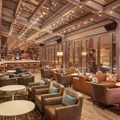 رد فعل سكان شيكاغو لعودة فتح المطاعم