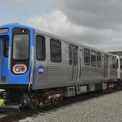 قادم العام القادم: اختبار أسطول جديد من عربات السكك الحديدية عالية التقنية على الخط الأزرق
