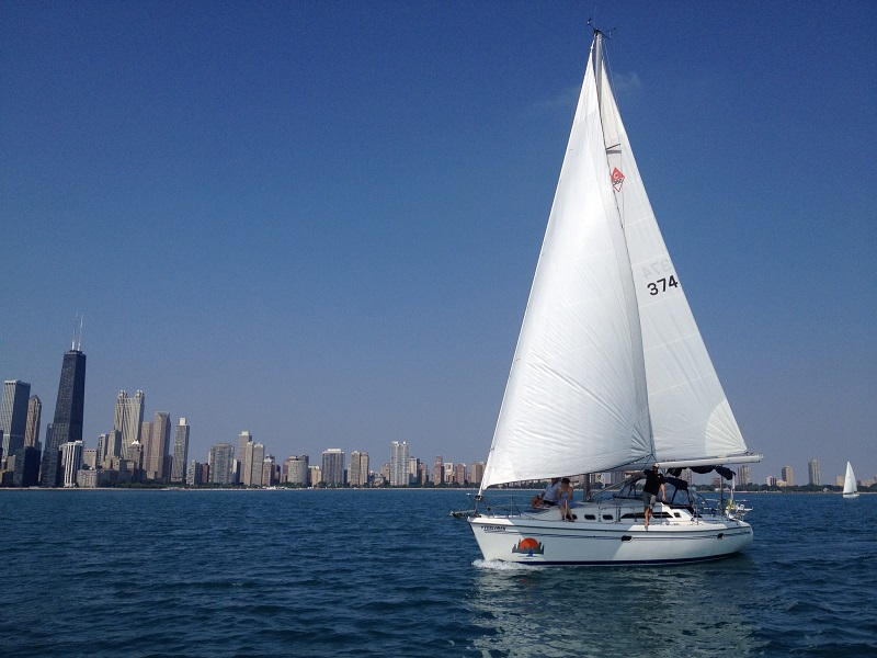 daytime sailing chicago sailboat