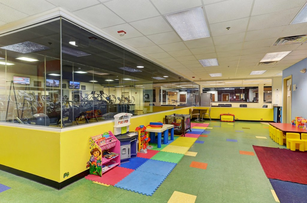 Gym in Joliet with daycare