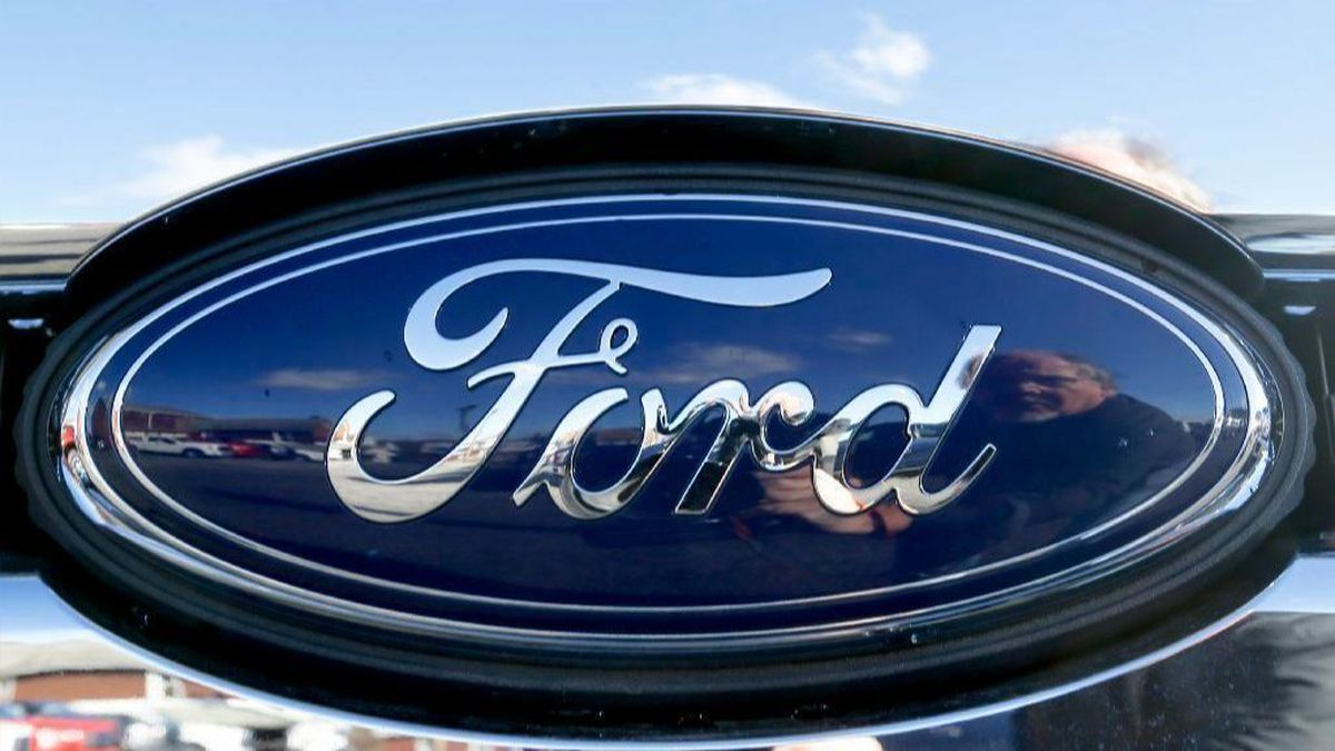 hight resolution of ford recalling nearly 1 million vehicles to replace air bag inflators