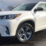 2019 Toyota Highlander Hybrid Review Is The Hybrid Worth The Extra Money Chicago Tribune