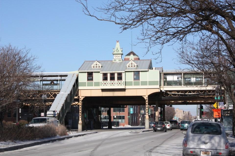 Lake and Ashland el station