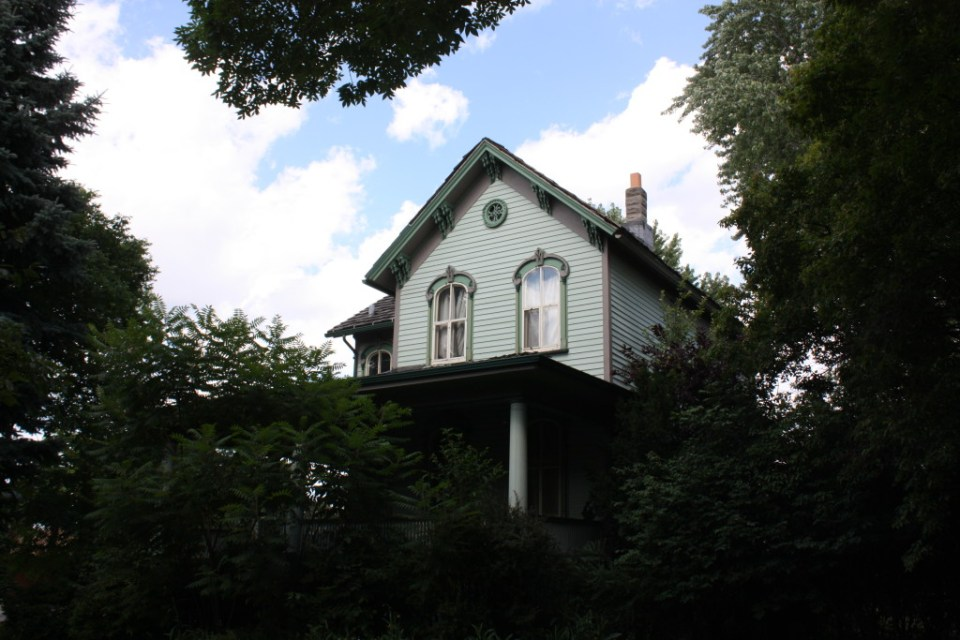 Beautiful Italianate at 2333 N Oak Park