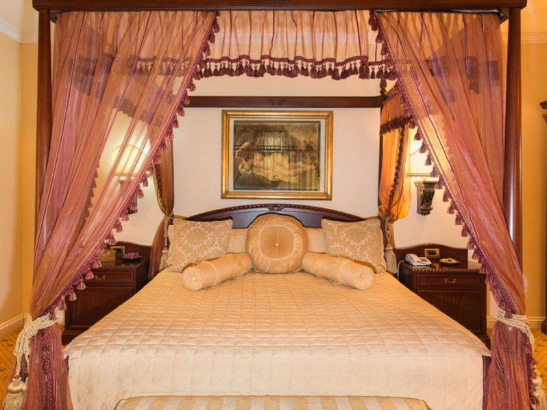 54418e5869d5bb9d1d7e6ef1_stanley-and-livingstone-safari-lodge-victoria-falls-zimbabwe-rca-2014-2