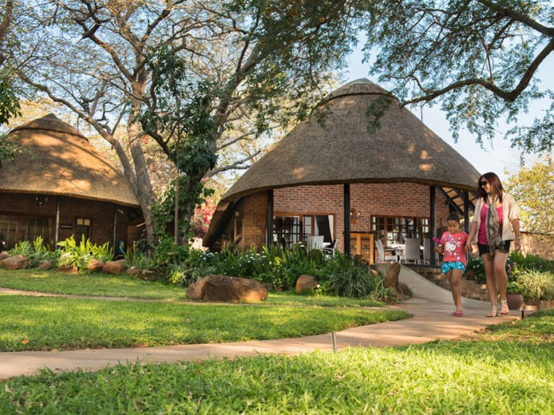 54418e5d58544c134c0682c1_stanley-and-livingstone-safari-lodge-victoria-falls-zimbabwe-rca-2014-1