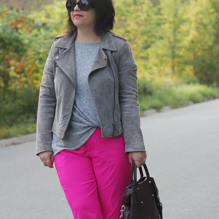 pink pants outfit