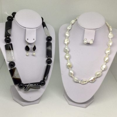 Black and White. Jan1 - Semi precious jewellery - 19 inches - by Jan Culverwell