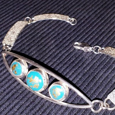Bracelet - Silver with synthetic turquoise and 22ct gold leaf - 16 cm - by Collette Batho