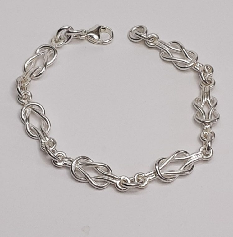True lovers knot - Silver