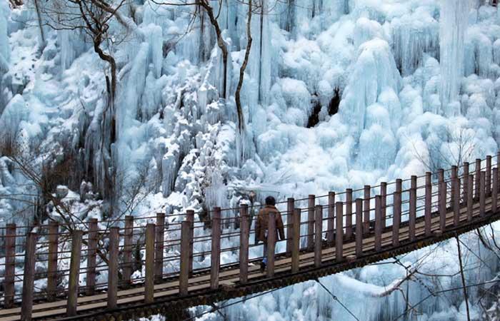 尾内(おのうち)渓谷の氷柱