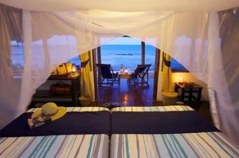 Bagamoyo Hotels: Lazy Lagoon Island by night