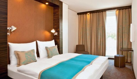 A room at Motel One Berlin-Hauptbahnhof