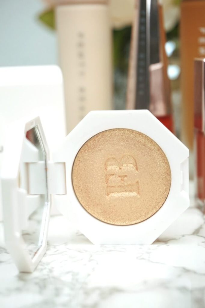 Fenty Beauty Highlighters on Dark Skin | Chiclypoised.com