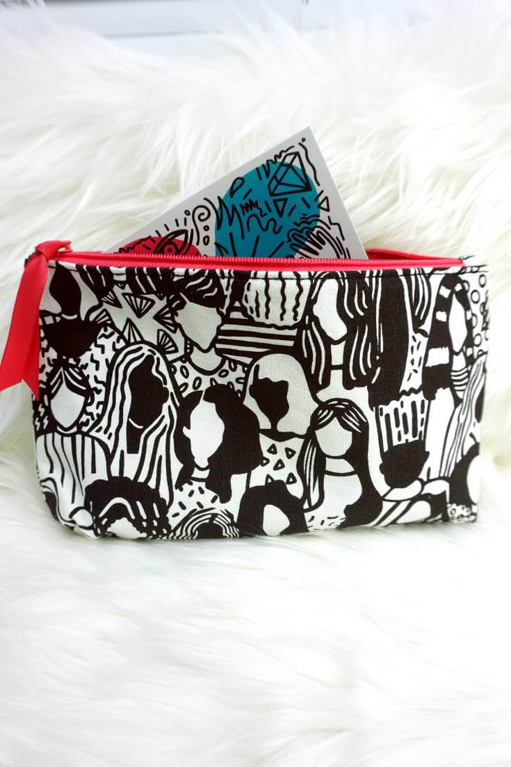 Ipsy Bag Design March 2018 | Chiclypoised.com