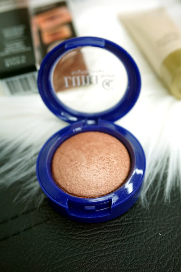 Luna By Luna Cosmetics Baked Highlighter in Luna | Chiclypoised.com