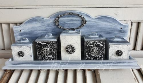 3 tipuri de crapaturi si chalk paint @ Calea Serban Voda nr 142, et 2, ap 4, mansarda
