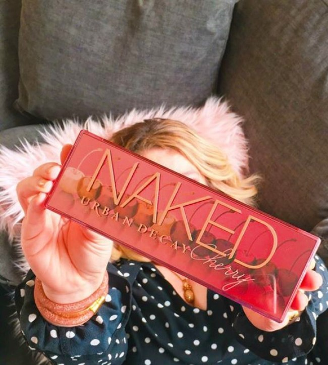 A Cherry Naked eyeshadow palette