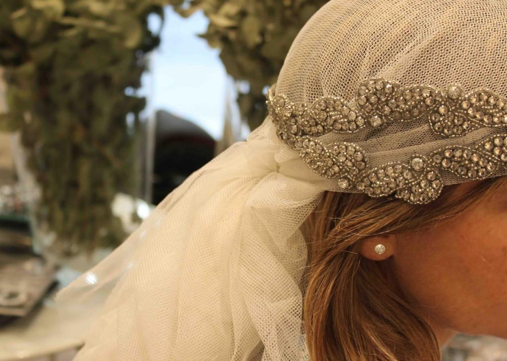Velo y tocado de novia de Hat & Love.Plaza de Balmis, Alicante.