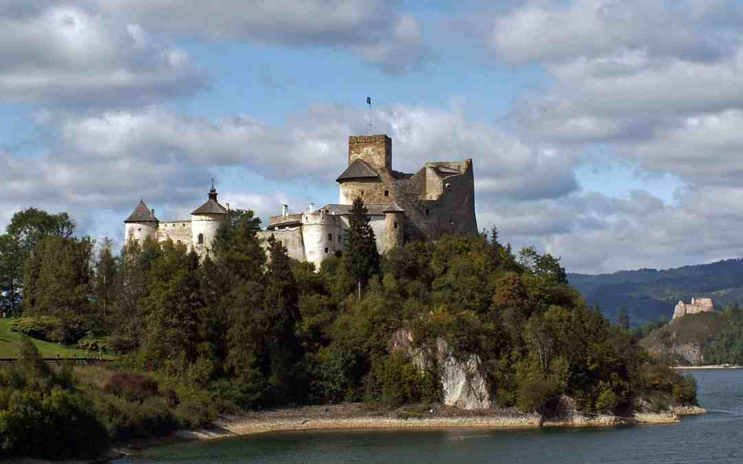 The Niedzica Castle In Poland⎜A Fort In The Dunajec River