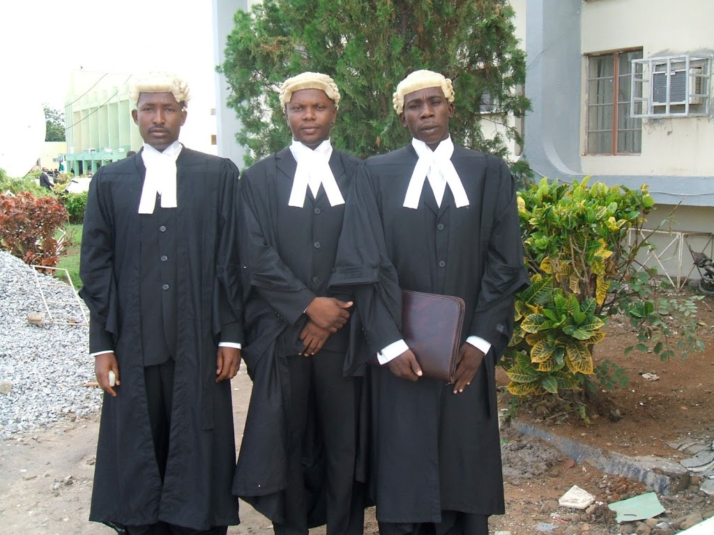 Why Nigerian lawyers should jettison wigs and gowns