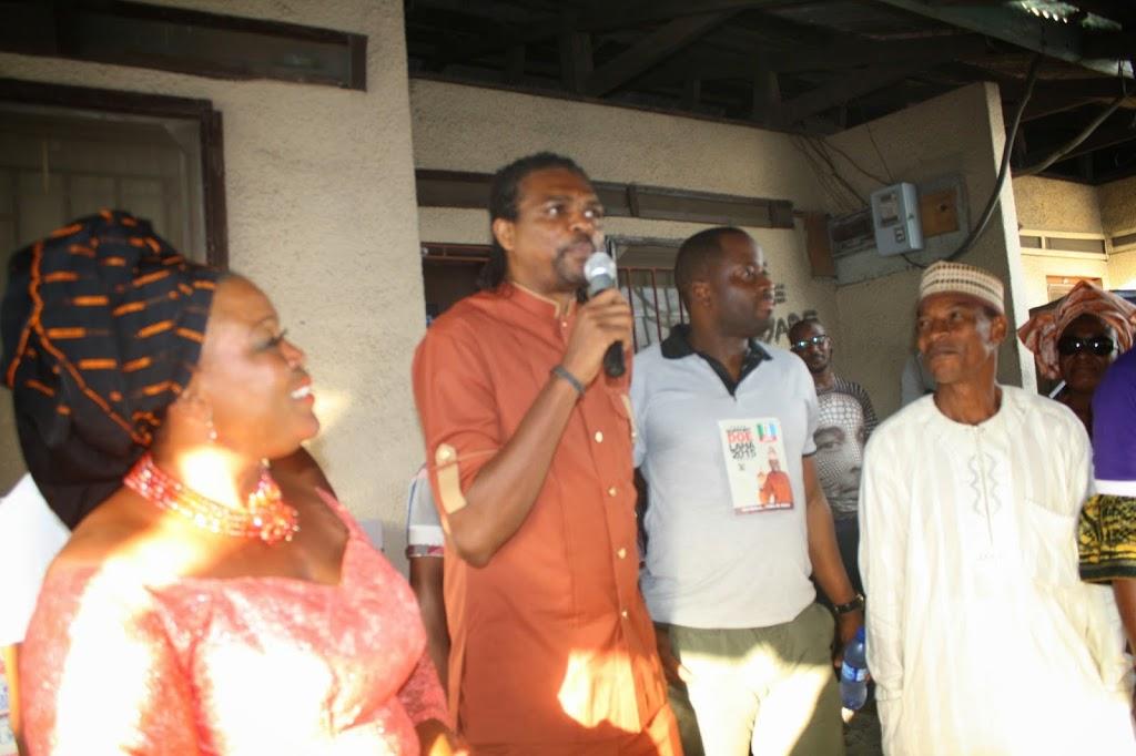 Election 2015: Soccer star, Kanu Nwankwo, stumps for actor Desmond Olushola Elliot