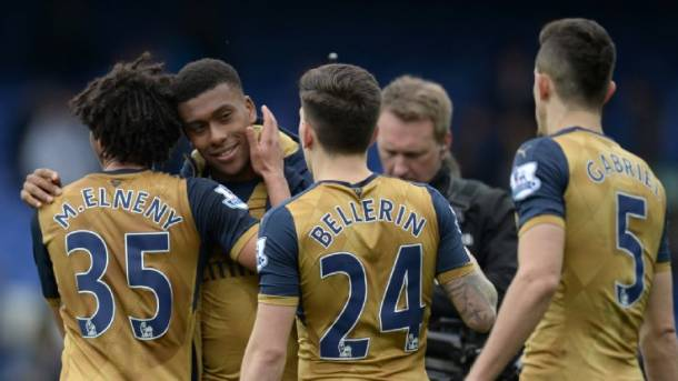 Arsenal's Alex Iwobi suffers food poisoning after joining up with Nigeria