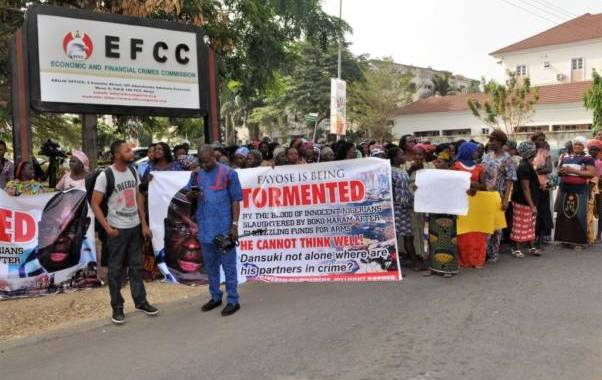Protesters storm EFCC, demand Fayose's prosecution over $2.1bn arms scandal