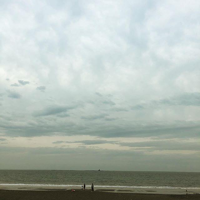 今日の空 と海
