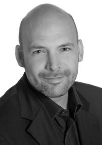 Marc Ritter, Country Manager DACH, blickt auf eine über zehnjährige Expertise im Baby- und Kleinkindsegment zurück, ist verheiratet und Vater eines sechsjährigen Sohnes.
